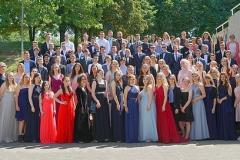Schulabschluss-grosses-Gruppenfoto