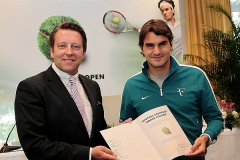 LIFETIME_CONTRACT_ROGER_FEDERER04